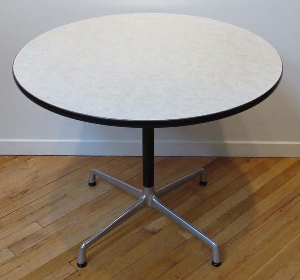 462: Herman Miller/Eames Breakfast Table