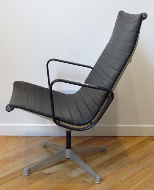 463 Herman Miller Eames Aluminum Group Office Chair Lot 0463