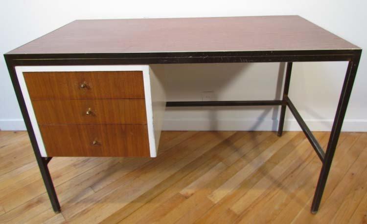 474: Wood laminate top desk