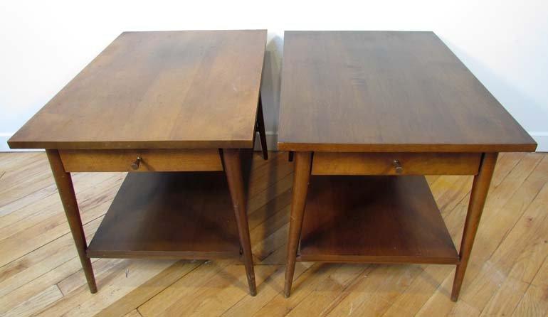 480: Pair of Paul McCobb single drawer end tables