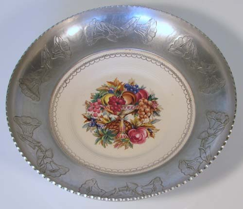 521: Triumph Farberware Porcelain plate w/Aluminum Surr