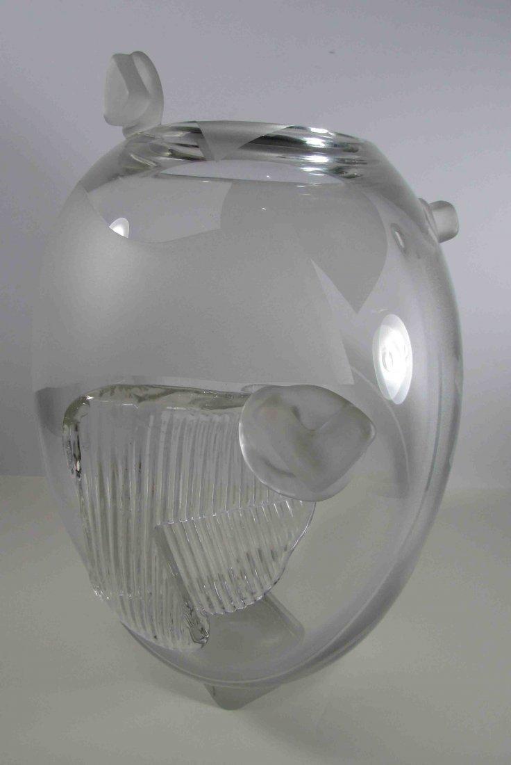 16: Kathleen Mulcahy Ron Desmett Clear Glass Vessel
