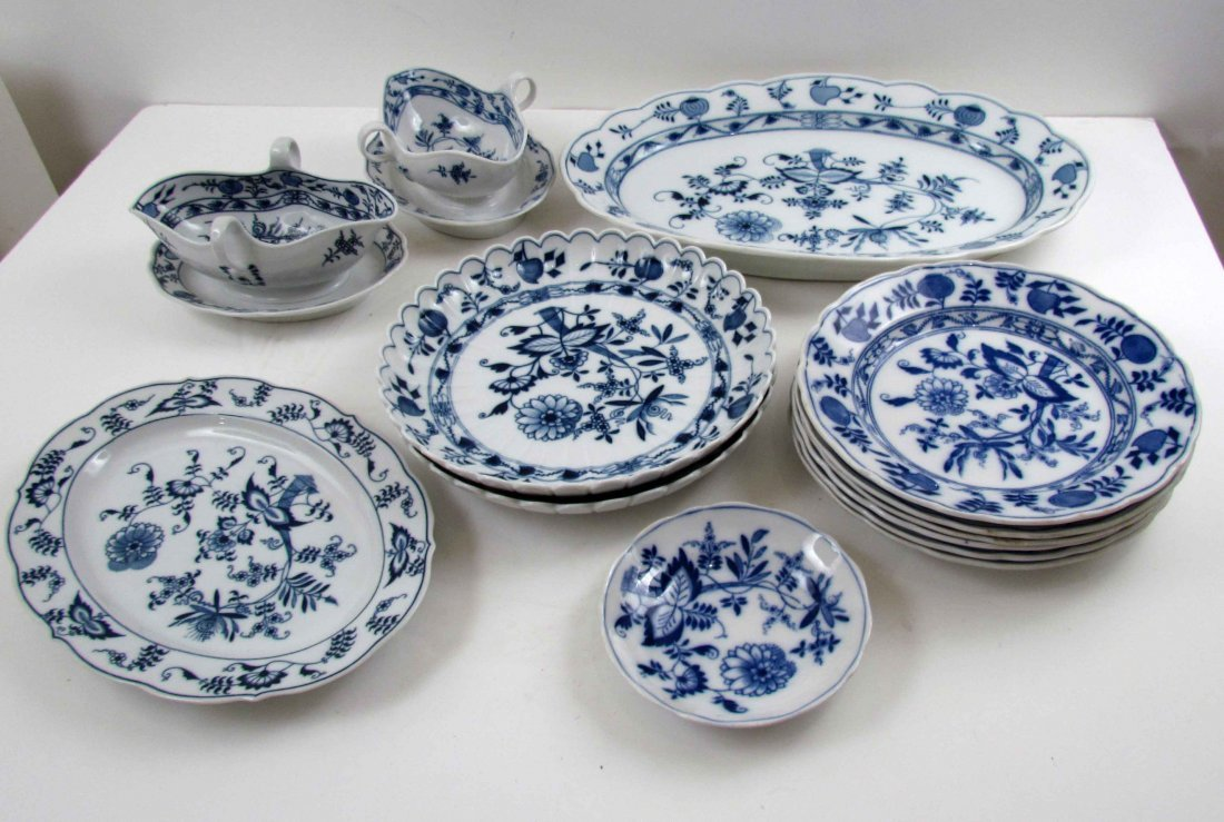 13 pcs Meissen blue and white Onion Pattern including 6