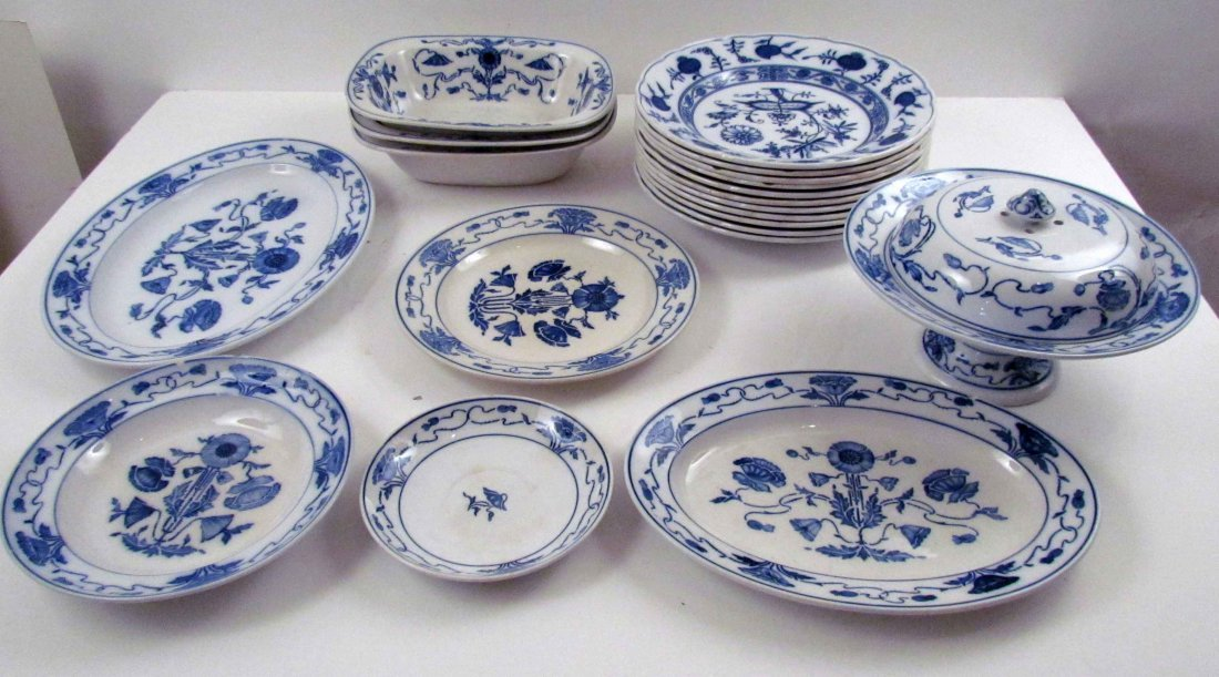 "21 pcs  VILLEROY AND BOCH ""MEISSEN"" PATTERN IRONSTONE B"