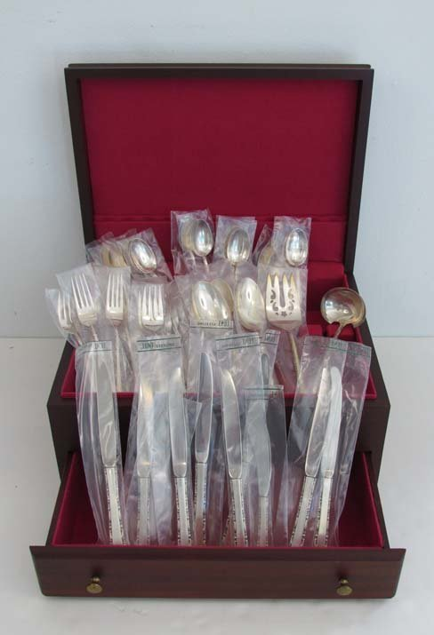 Set of Lunt Sterling silver flatware