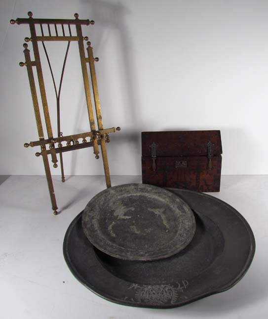 Collection of decorative pewter & brass objects