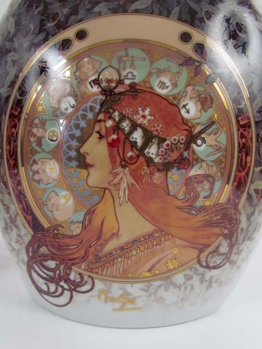 "two Goebel ""artis orbis"" Alphonse Mucha vases - 2"