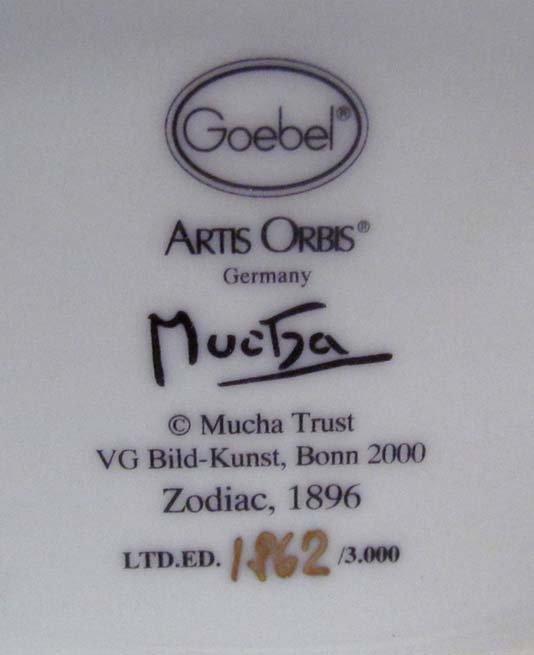 "two Goebel ""artis orbis"" Alphonse Mucha vases - 5"