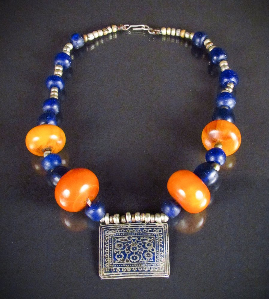 Tibetan Necklace of Silver Metal with Amber Beads