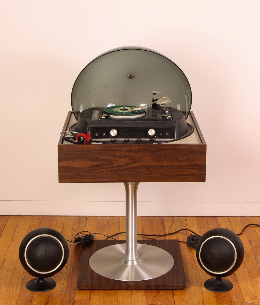 Graphic by Electrohome Turntable/Radio