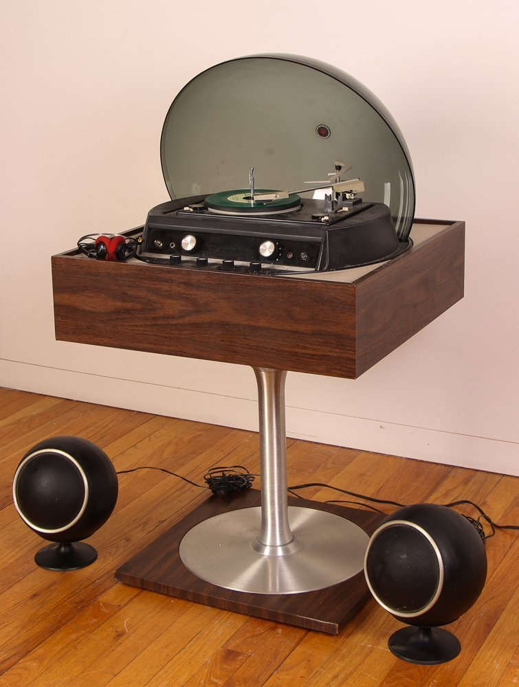 Graphic by Electrohome Turntable/Radio - 2