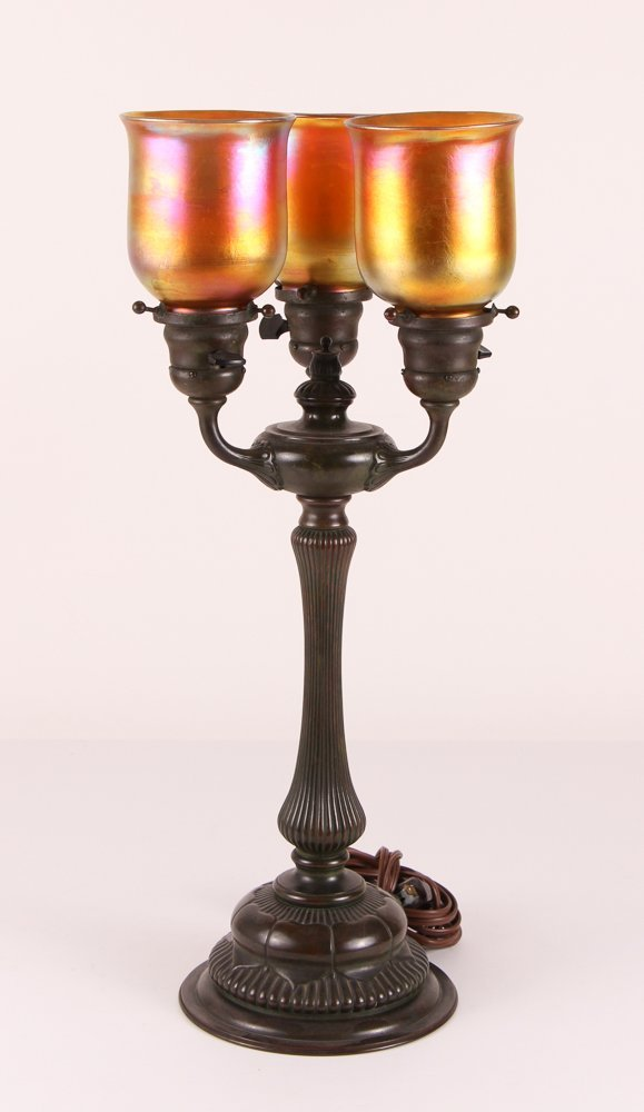 TIFFANY 3 LIGHT TABLE Bronze LAMP WITH 3 SHADES