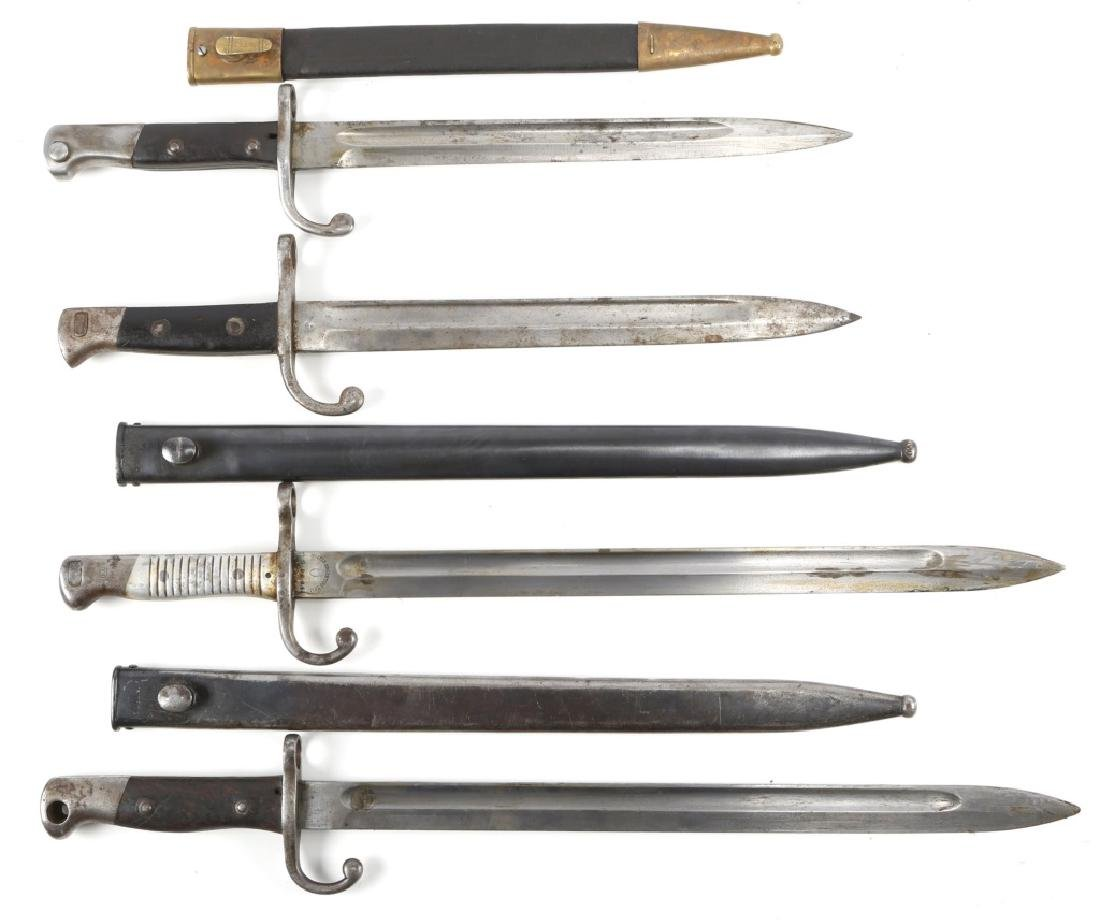 WWI WWII MIXED LOT OF WORLD BAYONET LOT OF 4