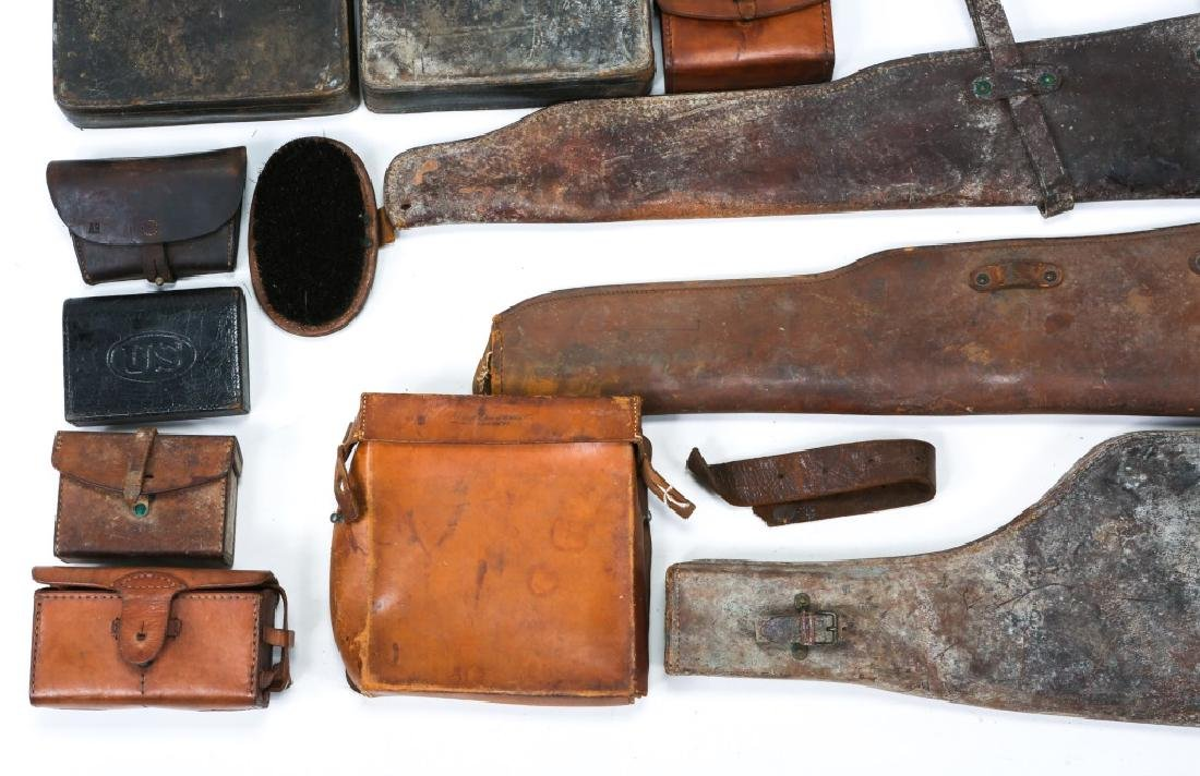 MILITARY LEATHER ITEM LOT OF 25 - 4