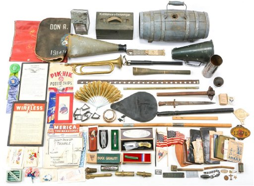 LARGE LOT OF MISCELLANEOUS WWI AND WWII ITEMS