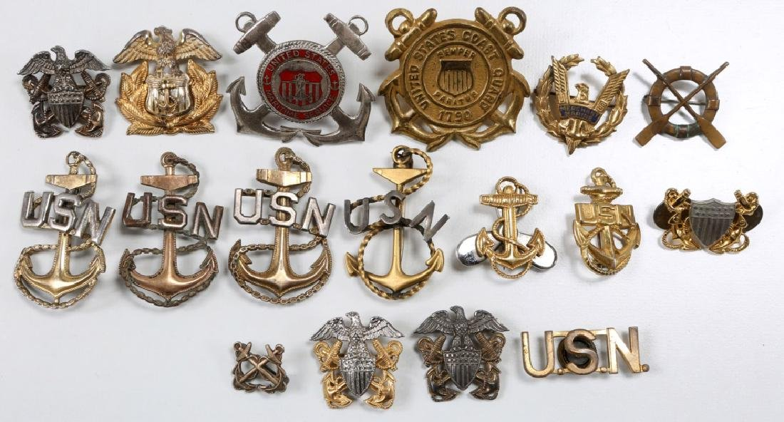 WWII US NAVY & COAST GUARD INSIGNIA MIXED LOT