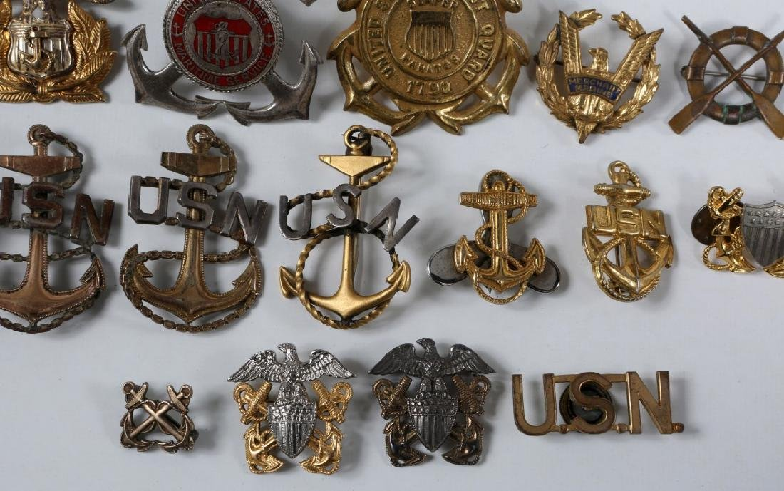 WWII US NAVY & COAST GUARD INSIGNIA MIXED LOT - 4