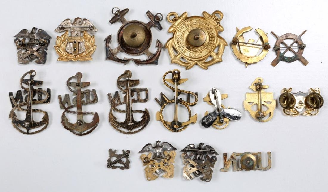 WWII US NAVY & COAST GUARD INSIGNIA MIXED LOT - 5
