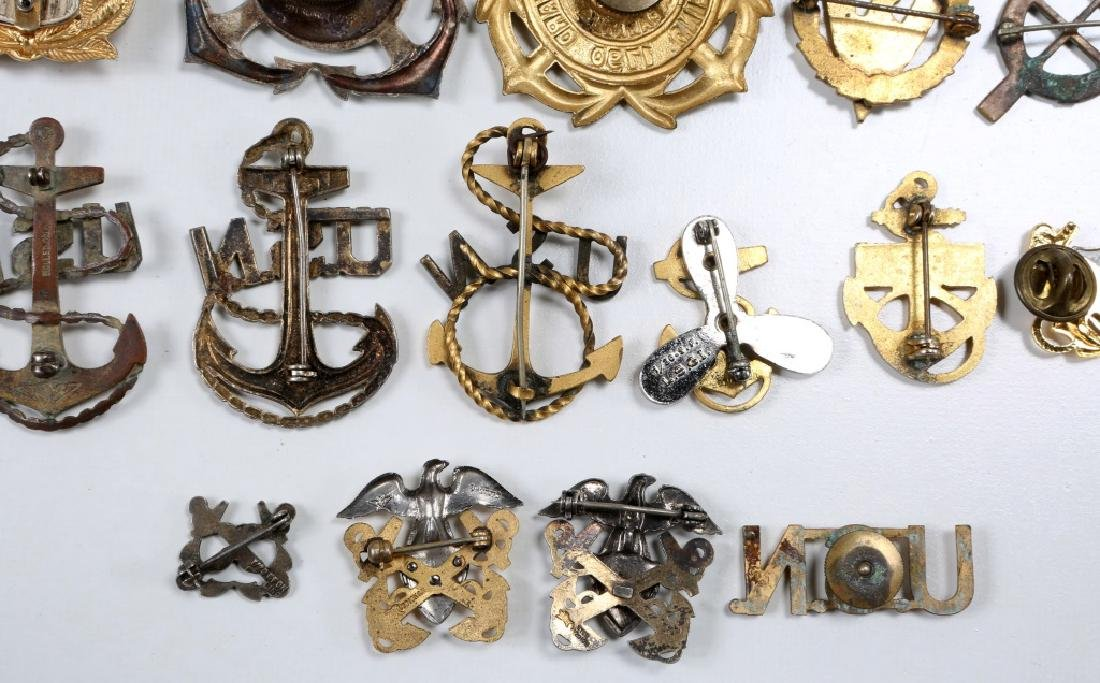 WWII US NAVY & COAST GUARD INSIGNIA MIXED LOT - 8