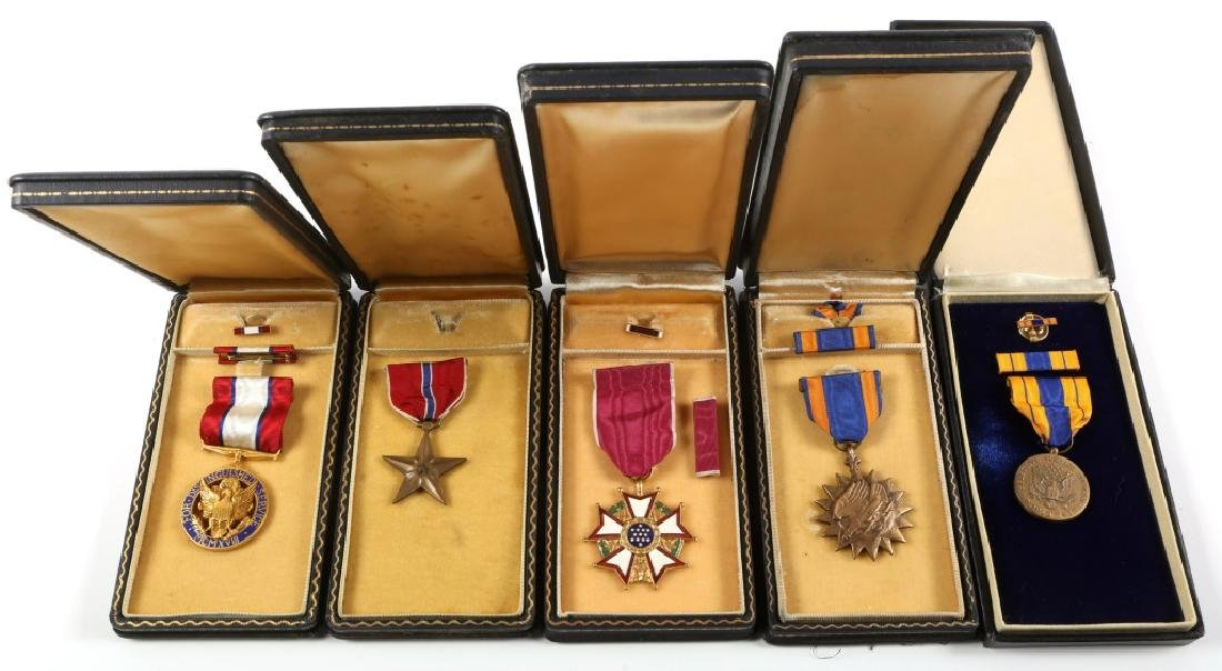 WWII US ARMY CASED MEDAL  LOT OF 5