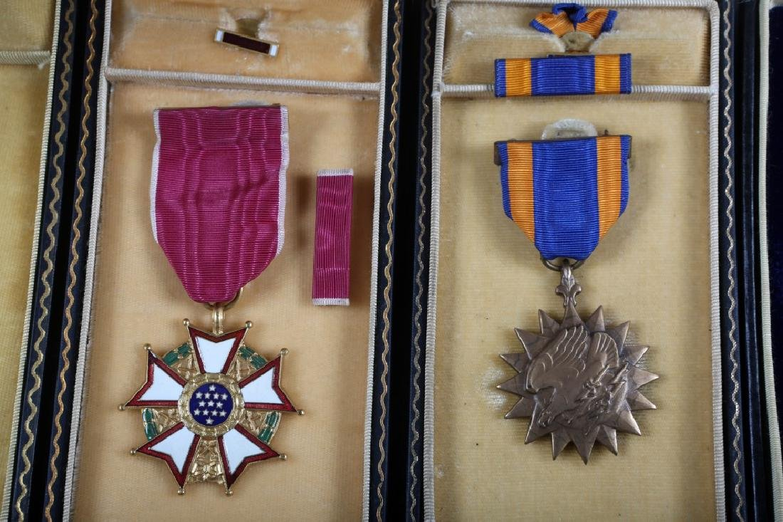 WWII US ARMY CASED MEDAL  LOT OF 5 - 4