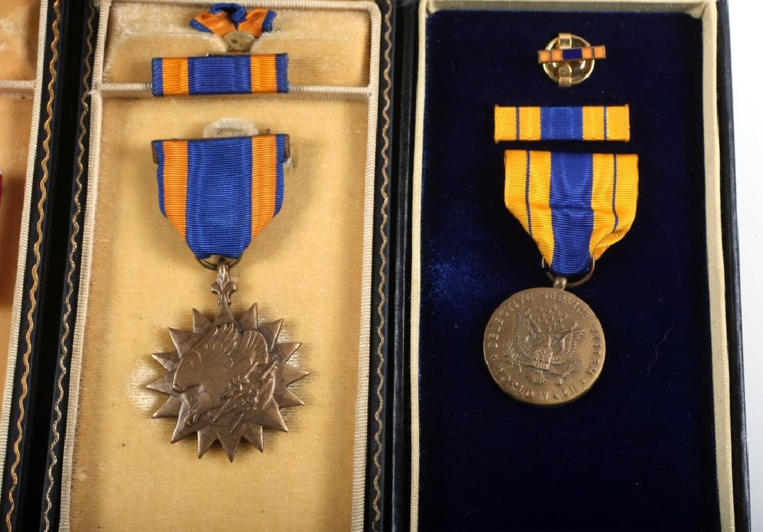WWII US ARMY CASED MEDAL  LOT OF 5 - 5