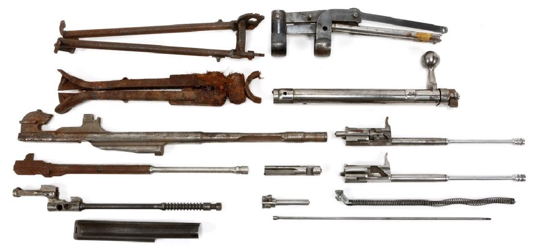 WWII GUN PARTS AND ACCESSORIES