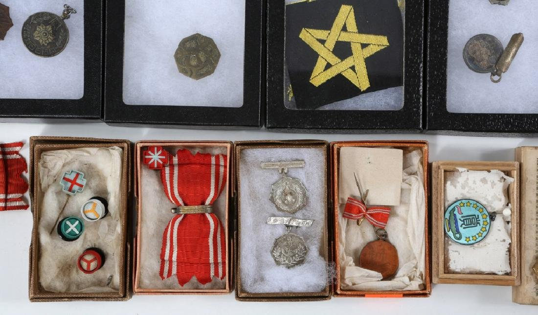 WWII JAPANESE ARMY MEDALS & PINS LARGE LOT - 7