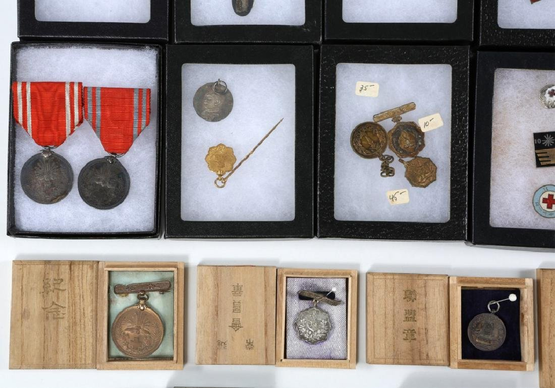 WWII JAPANESE ARMY MEDALS & PINS LARGE LOT - 6