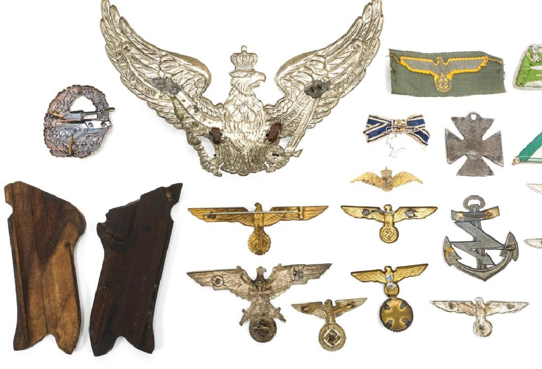 WORLD WAR ERA GERMAN BADGE AND INSIGNIA LOT - 5