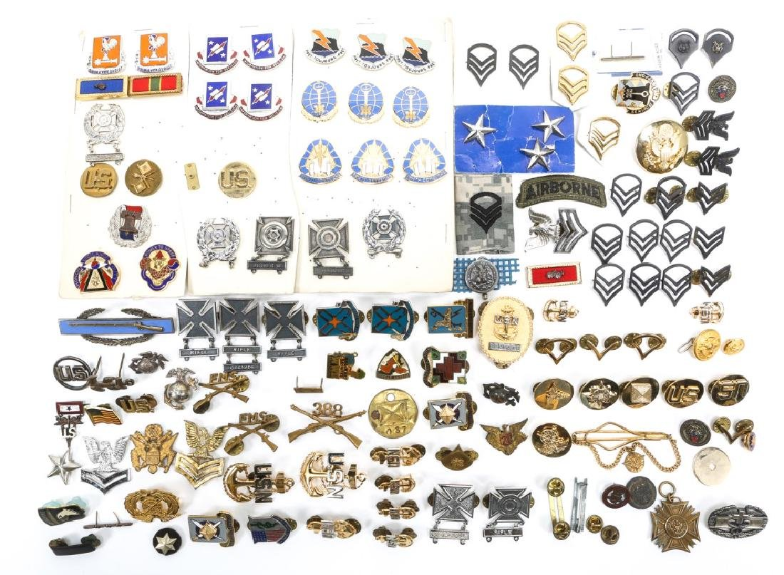 US MILITARY BADGES, PINS, AND MEDALS