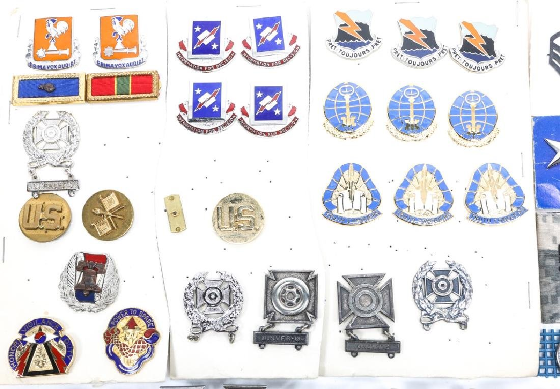 US MILITARY BADGES, PINS, AND MEDALS - 2