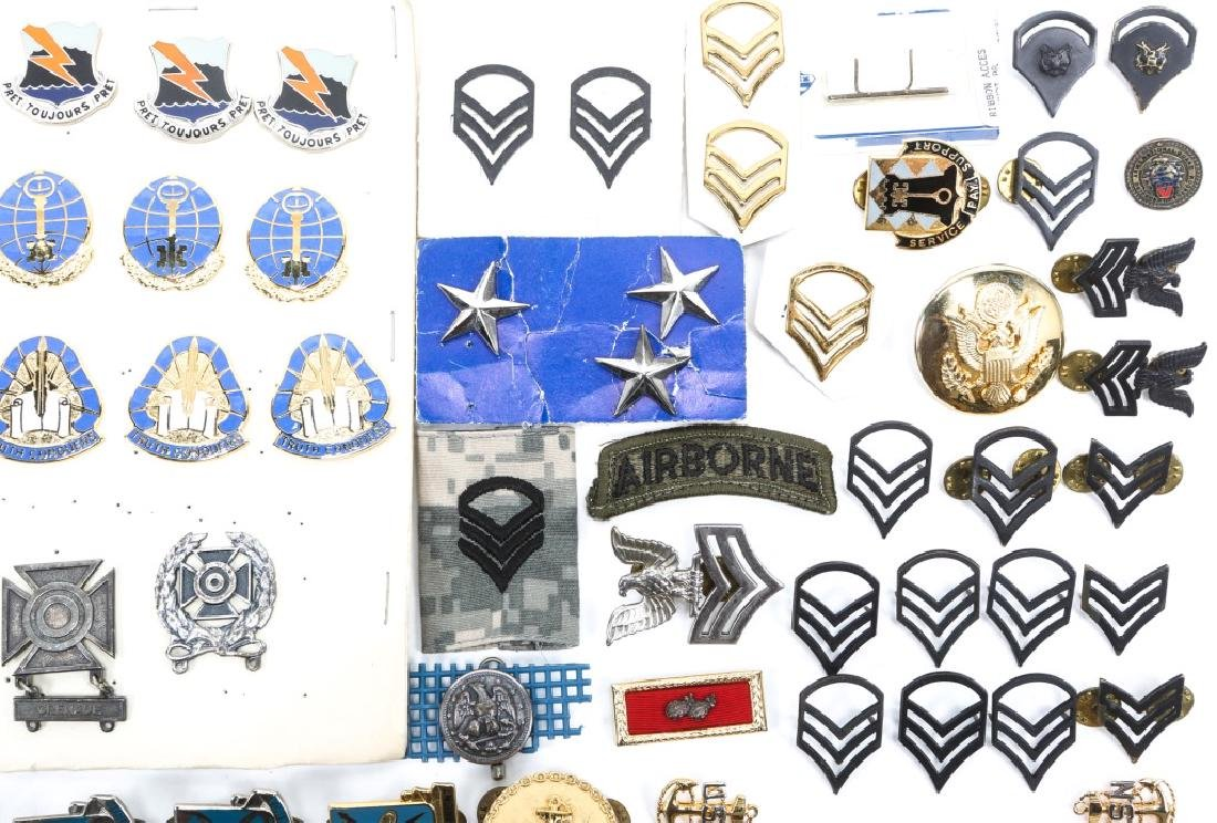 US MILITARY BADGES, PINS, AND MEDALS - 3