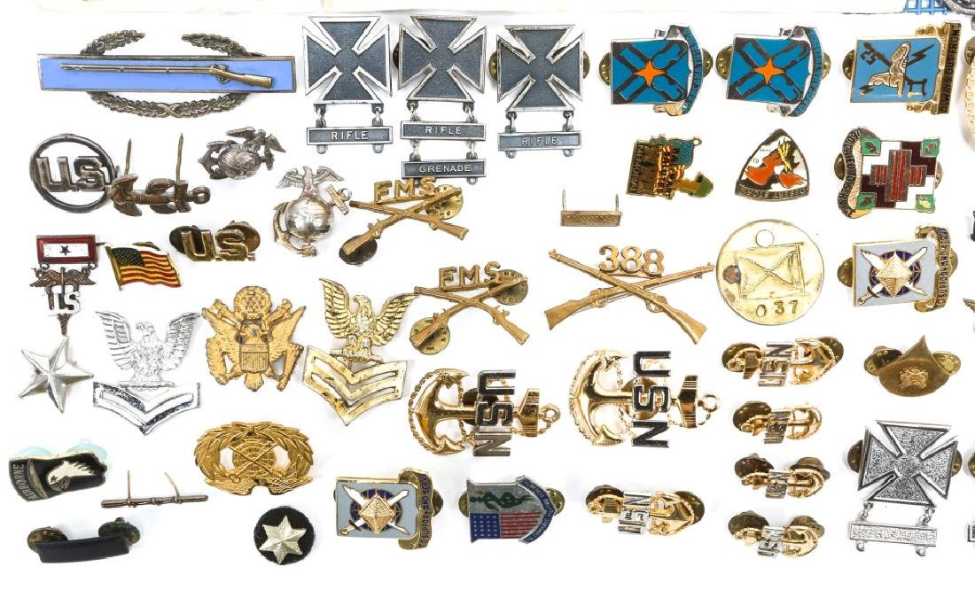 US MILITARY BADGES, PINS, AND MEDALS - 4