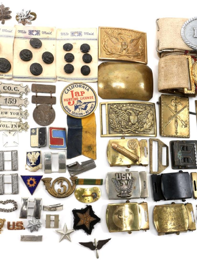 MIXED ERA MILITARY BUCKLES MEDALS PINS AND MORE - 4