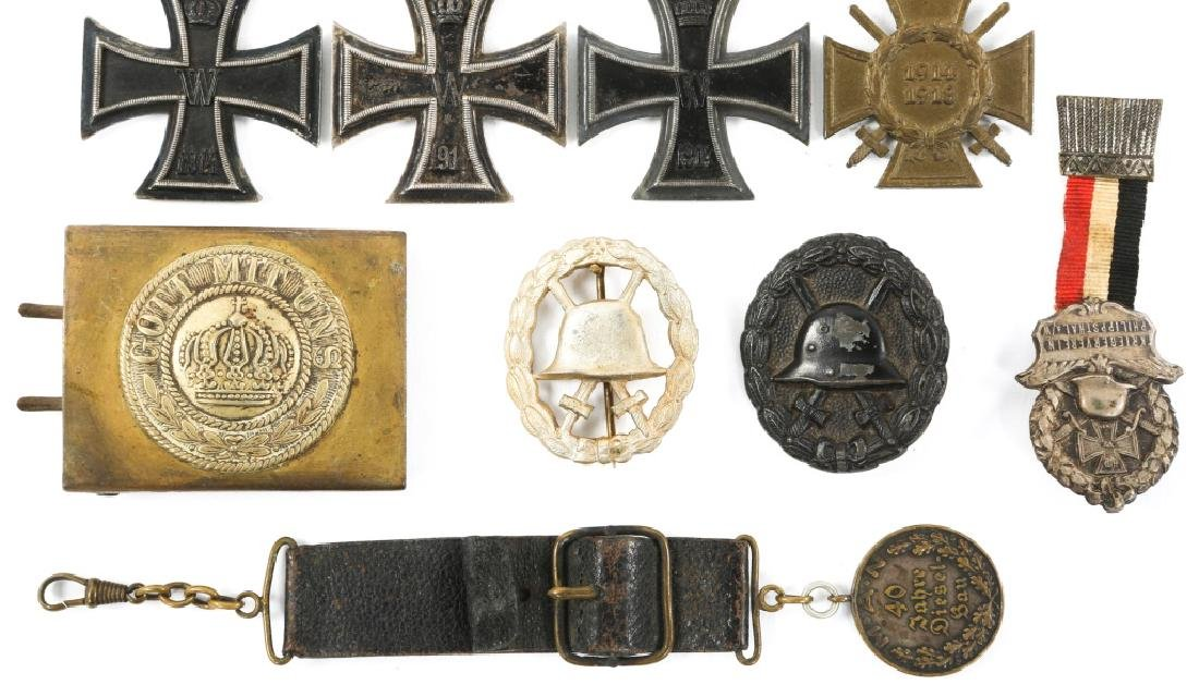 WWI IMPERIAL GERMAN IRON CROSS & BADGE MIXED LOT - 3