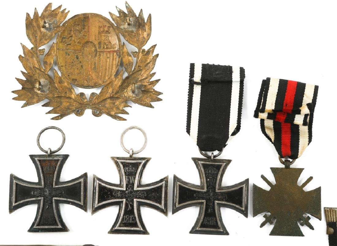WWI IMPERIAL GERMAN IRON CROSS & BADGE MIXED LOT - 5