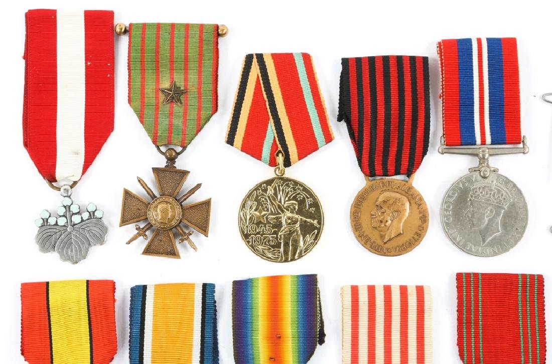 WWII WORLD MEDAL MIXED LOT OF 9 - 2
