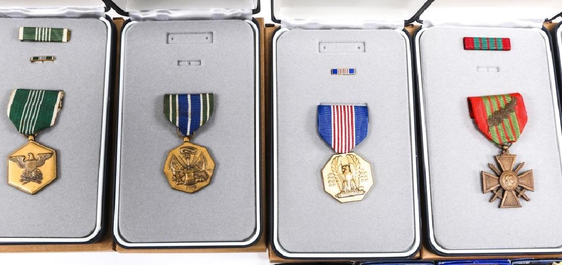 US MILITARY MEDAL MIXED LOT OF 16 - 2