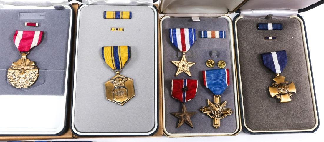 US MILITARY MEDAL MIXED LOT OF 16 - 3