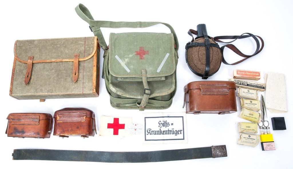 Officer/'s Leather First Aid Pouch and Frog
