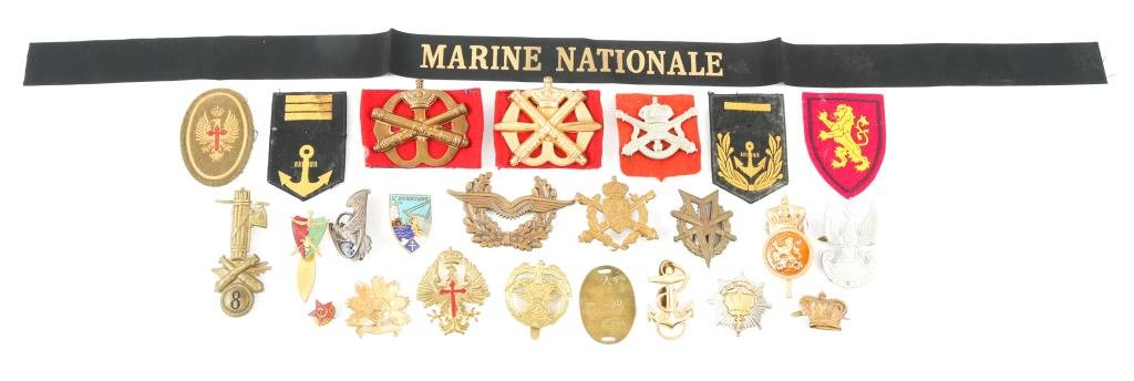 WORLD MILITARY ARMY & NAVY INSIGNIA LOT OF 25