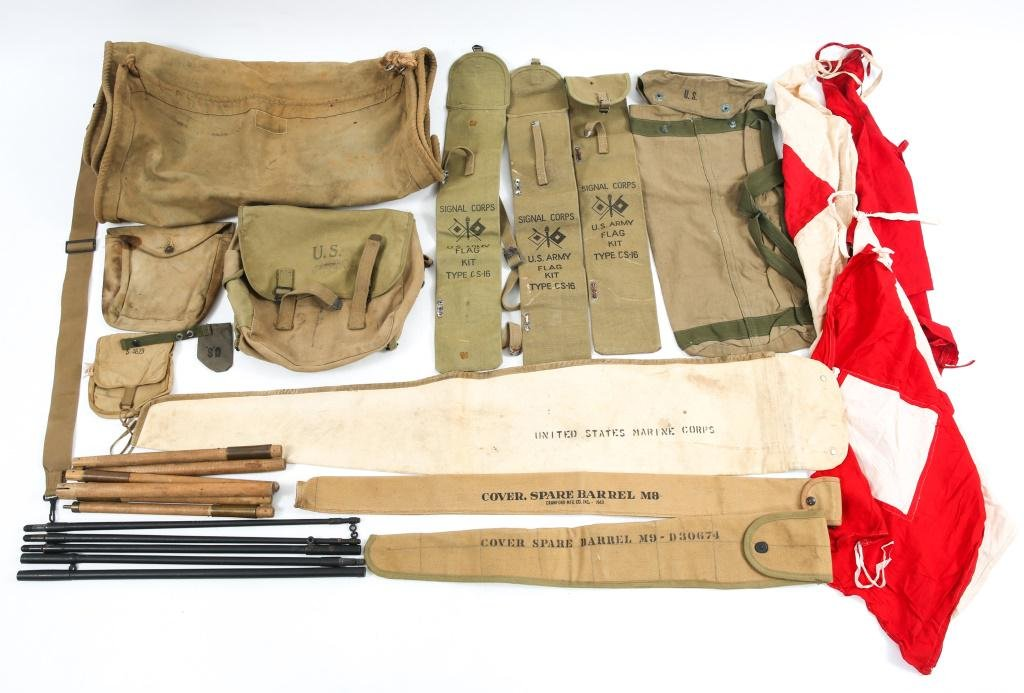 WWII US MILITARY MIXED FIELD GEAR AND BAG LOT