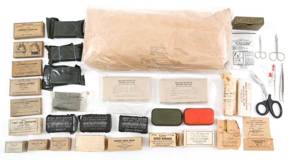 WWII - VIETNAM WAR US MEDIC FIRST AID KIT LOT