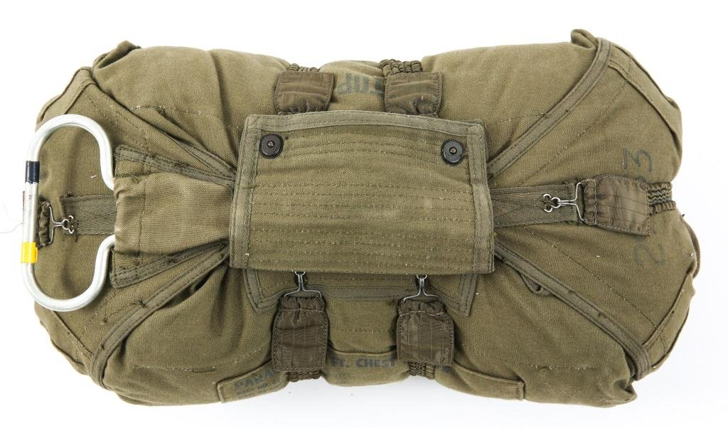 VIETNAM WAR US ARMY T10 CHESTPACK RESERVE CHUTE