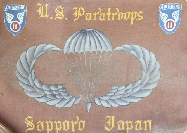 HANDPAINTED WWII 11TH AIRBORNE DIVISION FLIGHT BAG - 3