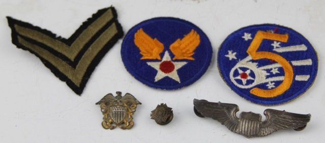 LOT OF US MILITARY PATCHES PINS AND INSIGNIA