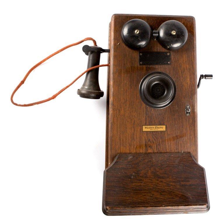 OAK WALL MOUNT WESTERN ELECTRIC TELEPHONE