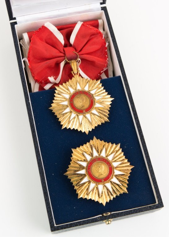 ARGENTINA ORDER OF MAY MEDAL 2 PIECE SET & BOX