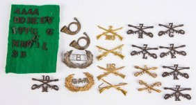 Lot Of 19th Century Us Devices & Insignia